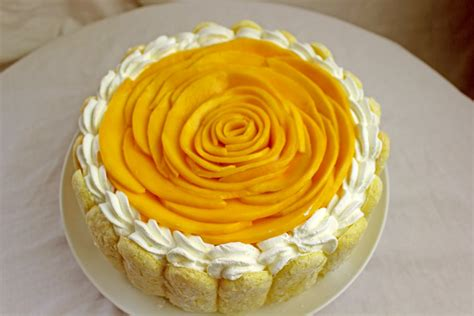 mango birthday cakes