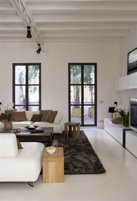 Living Room Window Trim Ideas by How To Make A Strong And Firm Statement With Black Framed