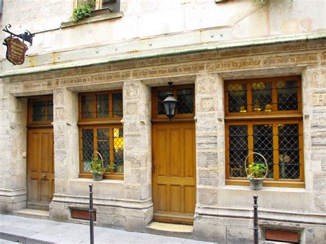 maison de nicolas flamel the oldest house of moments