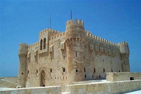 les sirenes du port d alexandrie les 7 merveilles du monde antique