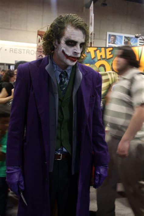 Joker Really Looks Like Heath Ledger Amazing Cosplays