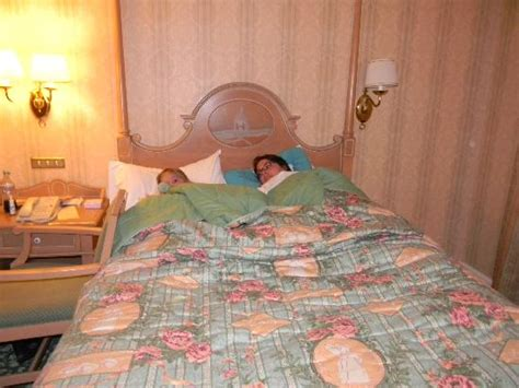 chambre d hotel disneyland chambre standar photo de disneyland hotel chessy