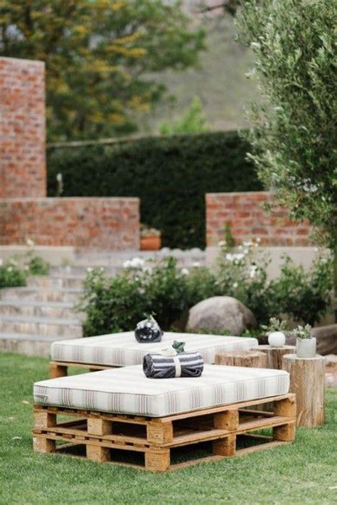 meubles de jardin en palettes idees pour le confort