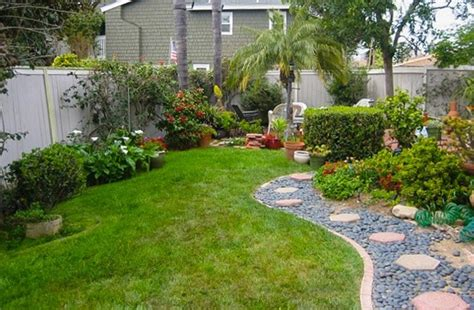 drought tolerant backyard designs circular pebble pathway for amazing drought tolerant landscaping ideas for small backyard