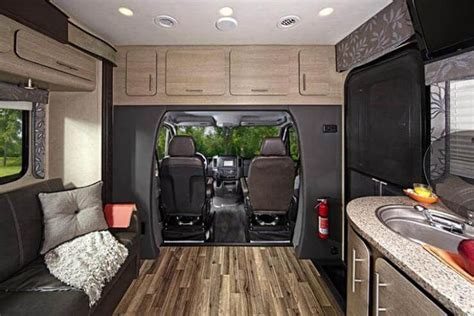 2015 Renegade 25QRS Villagio Class B Motorcoach   Roaming