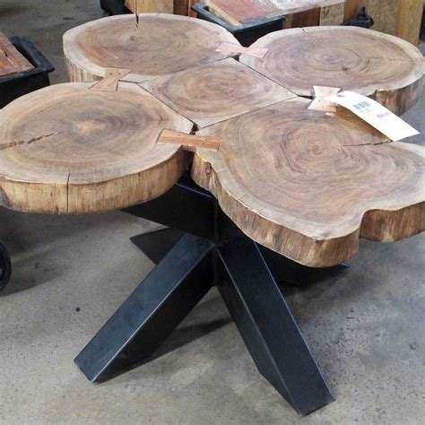 Coffee powder is prepared from the coffee seeds by roasting them. Coffee Table Made With Slices Of A Whole Tree Trunk em 2020   Móveis de madeira rústica, Móveis ...
