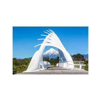 File:Te Rewa Bridge New Plymouth (14177934443) (2