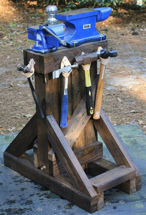 work stand  anivil  vise ready