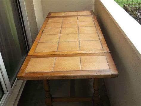 table de cuisine en bois massif table cuisine bois massif clasf