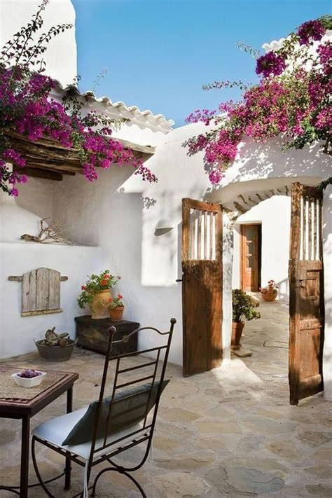Sunny and charming Mediterranean style patio courtyard
