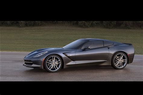 corvette stingray 2014 2014 corvette stingray does 0 60mph in under 4s forcegt com
