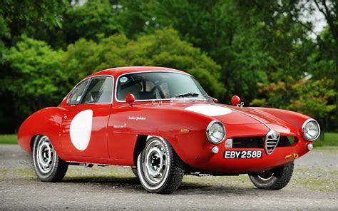 Red Alfa Romeo Giulietta Sprint