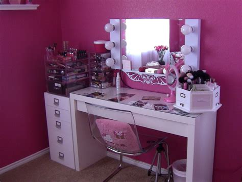 White Makeup Desk With Lights by Furniture Remarkable White Vanity Table With Large