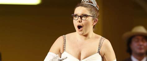 Brits Slam Opera Singer But Us Pros Say Its Fat Shaming