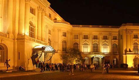 Noaptea muzeelor deschise Opereta la Cimitirul Bellu III - YouTube