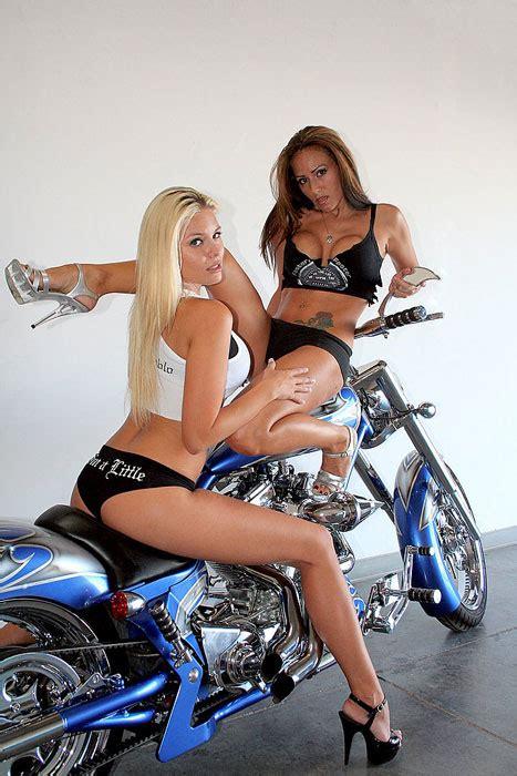chicks dig motorcycles hot  protothemanewscom