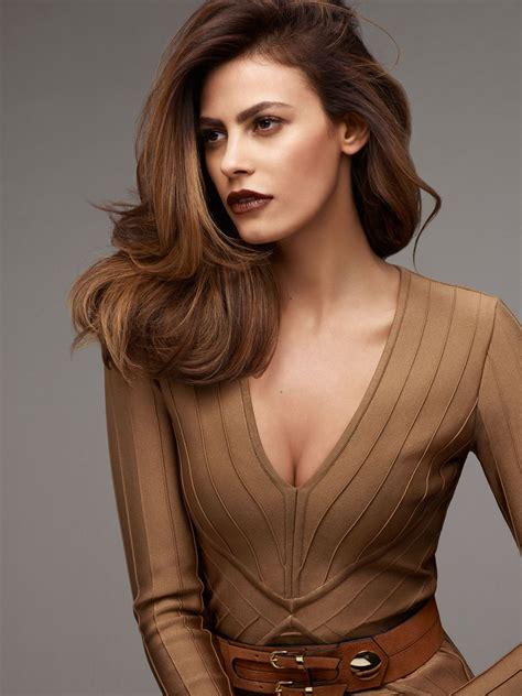die aktuelle frisuren kollektion iconic brunette von goldwell