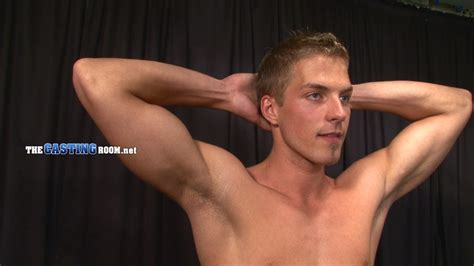 Young and well-hung gay dude sitting naked - XXX Dessert - Picture 8
