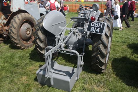 earth scoop tractor construction plant wiki fandom