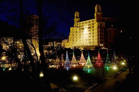 6 places to see holiday lights in central arkansas