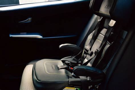 uber car seat offers option  families traveling  nyc