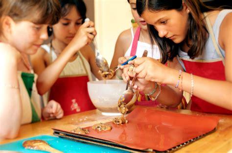 cours cuisine pour enfants atelier clafoutis cours de cuisine enfants