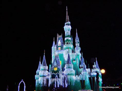 31 cinderella castle icicle lights mvmcp 2013 magic