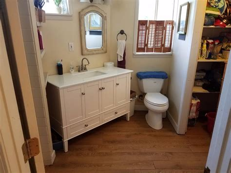 Makeup vanity sets are wonderful for use in large bathrooms. You want something both stylish and with lots of ...