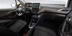 Peugeot 2008 Allure 2017 : peugeot 2008 allure 2018 interior mega autos ~ Gottalentnigeria.com Avis de Voitures