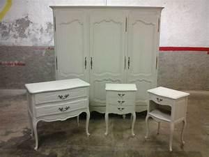 Peindre Un Meuble Ancien En Blanc : meuble bois blanc vieilli perfect gallery of meuble tv ~ Dailycaller-alerts.com Idées de Décoration