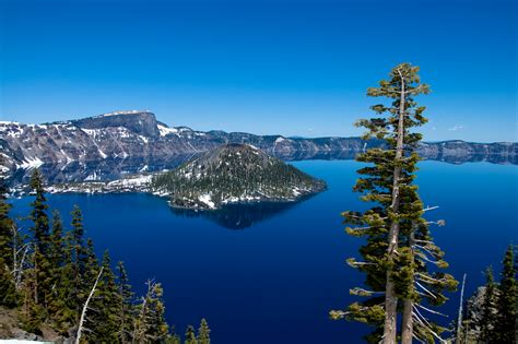 crater lake     absolute bluest water  oregon