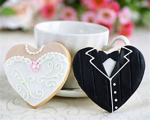 creative wedding cookies unique wedding favors 791674 With couples wedding shower favors