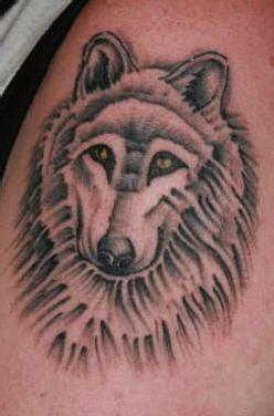 Tatouage Loup De Face