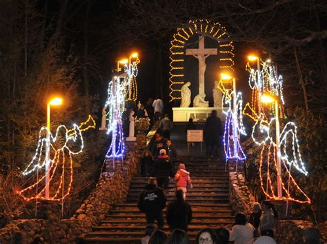la salette christmas lights la salette festival of lights the sun chronicle attleboro