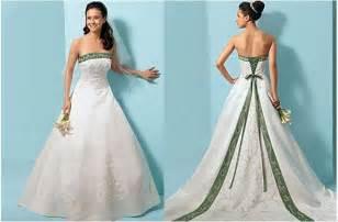 emerald wedding dress wedding dresses with emerald green accents sangmaestro