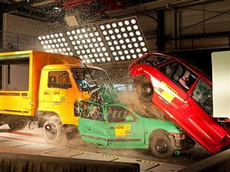 siege auto crash test crash test camion contro auto in coda