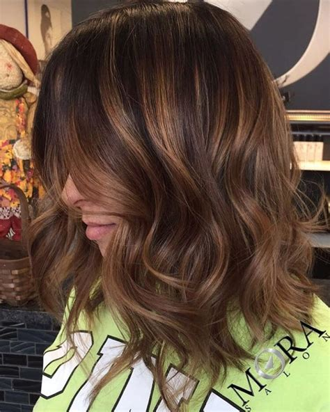 Hairstyles With And Brown Highlights by 60 Looks With Caramel Highlights On Brown And Brown