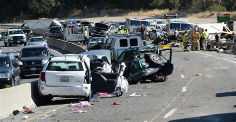 highway  crashes hit   year high  cellphone