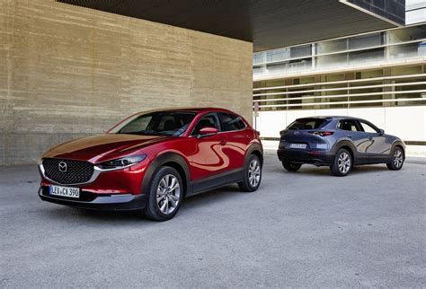 It went on sale in japan on 24 october 2019, with global units being produced at mazda's hiroshima factory. 5x waarom de Mazda CX-30 de ideale zakenauto is - Mazda Blog