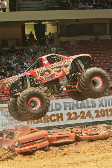 monster truck show in birmingham al birmingham alabama monster jam january 7 2012 7