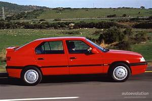 Alpha Romeo 33 : alfa romeo 33 1990 1991 1992 1993 1994 autoevolution ~ Maxctalentgroup.com Avis de Voitures