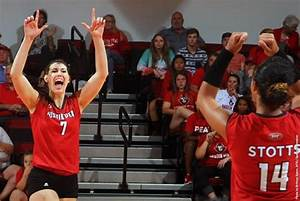 APSU Lady Govs Volleyball plays defending OVC champ ...