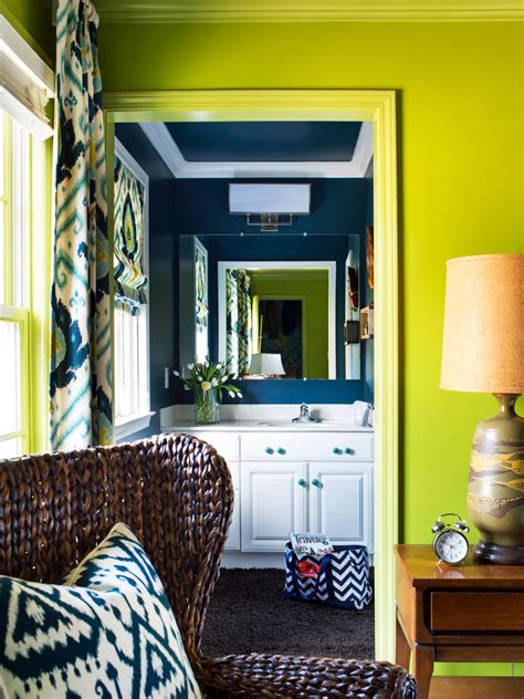 HGTV Small Bathroom Makeovers Ideas