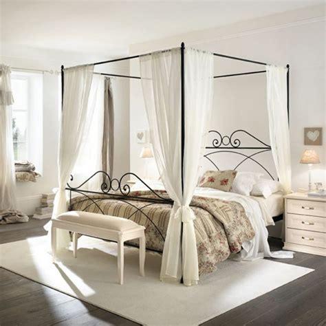 fer forgé chambre coucher le lit en fer forgé la tendance déco de la chambre à