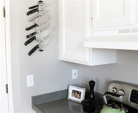 door knife holder the advantages and disadvantages of magnetic strip for