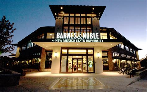 Barns And Novles by Barnes Noble Shares Hit After Its Worst Season