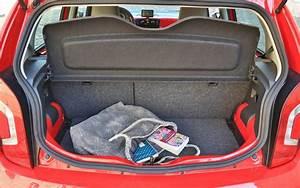 Volkswagen Up Coffre : essai volkswagen cross up 1 0 2014 l 39 automobile magazine ~ Farleysfitness.com Idées de Décoration