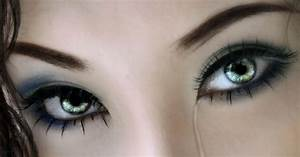 collection of 25 most beautiful eyes with tears wallpapers ...