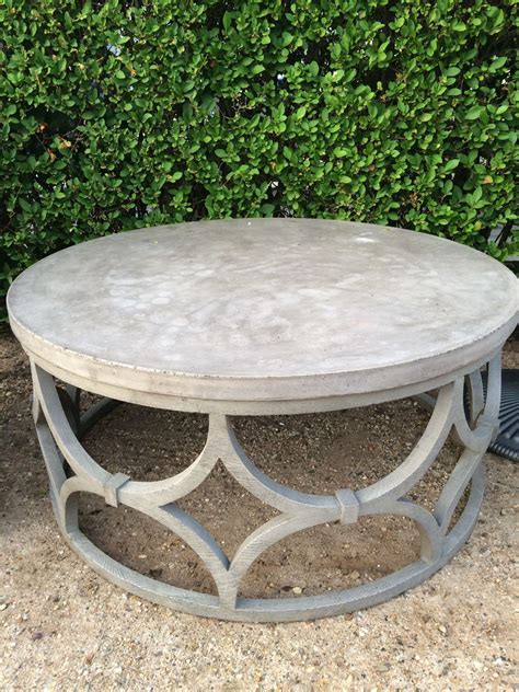 Solid, round coffee table build. Round Outdoor Coffee Table | Coffee Table Design Ideas