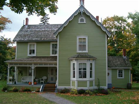 Historic House In Fall2006.jpg